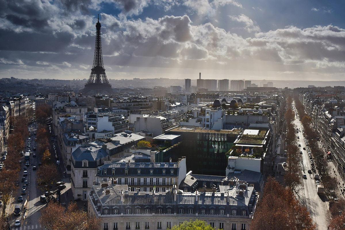 Se déplacer à Paris en taxi moto est un gros plus pour éviter les embouteillages