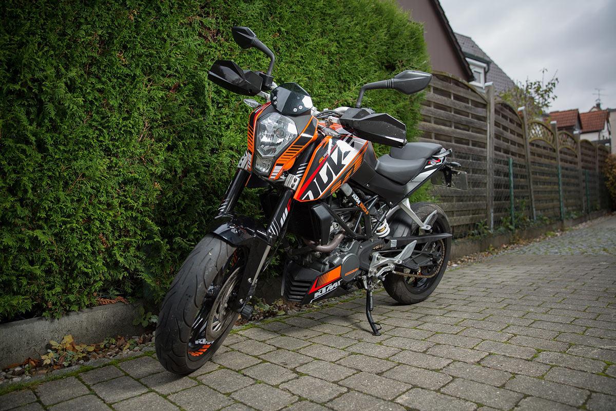Pour prendre le guidon d'une 125cc comme la KTM Duke, une formation est indispensable